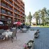 La terrazza dell'Hotel Napfeny a Balatonlelle