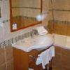 Elegante stanza da bagno - The Three Corners Art Hotel Budapest - alberghi nel centro di Budapest