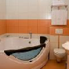 Camera con jacuzzi a Cserkeszolo Hotel Aqua-Spa