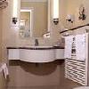 Stanza da bagno al Danubius Hotel Astoria City Center - hotel a 4 stelle nel centro di Budapest
