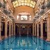Piscina nel Bagno Gellert - i clienti dell'Hotel Gellert possono entrare gratuitamente al bagno