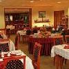Hotel Ében Budapest - Zugló - красивый ресторан  с венгерским орнаментом