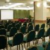 Sala conferenza con luce naturale al Danubius Hotel Arena a Budapest
