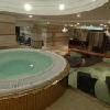 5* Hotel Divinus Debrecen una vasca idromassaggio nell'area benessere