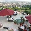 Terrazza con vista meravigliosa su Pecs e sui Monti di Mecsek - hotel Kikelet a Pecs