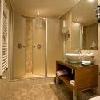 Stanza da bagno all'Hotel Marmara - hotel a 4 stelle nel cuore di Budapest