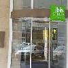 Entrata dell'Ibis Styles Budapest Center  - hotel Mercure a Budapest nel centro vicino alla stazione Est e al Gran Boulevard