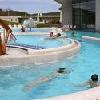 Enormi piscine all'aperto presso l'hotel termale e benessere Saliris