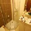 Bagno con doccia all'Hotel Sunshine Budapest